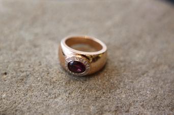 Prsten 'Crveni Rubin', cijena na upit