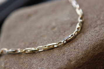 Ogrlica 'Zlatni lanac', cijena na upit
